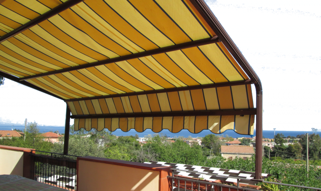 Tende da sole per balconi terrazzi e attici tessuti for Tenda terrazzo